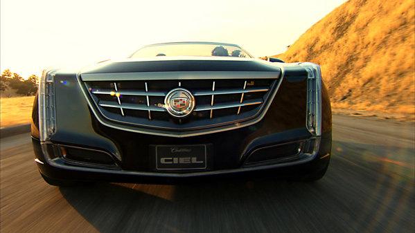 Cadillac Ciel dispune de propulsie hibrida, cu un V6 twin-turbo de 425 CP
