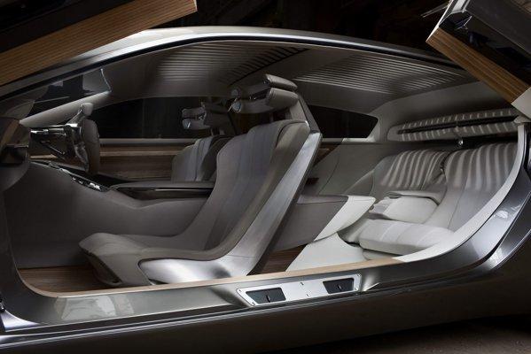 In Peugeot HX1 se poate crea o atmosfera de lounge, iar accesul este prin patru usi tip Lambo