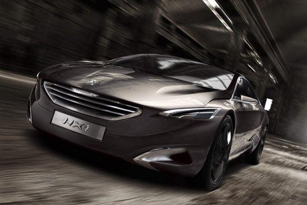 Peugeot HX1 consuma 3,2 litri/100 km si poate rula strict electric maxim 30 km