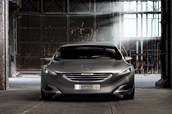 Peugeot HX1 combina un diesel de 204 CP cu un motor electric de 95 CP