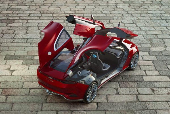In ciuda aparentei de coupe, Ford Evos beneficiaza de patru portiere, cu deschidere de tip Lambo