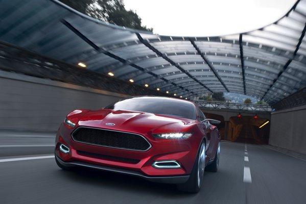 Sistemul hibrid plug-in de pe Ford Evos promite o autonomie de 800 km