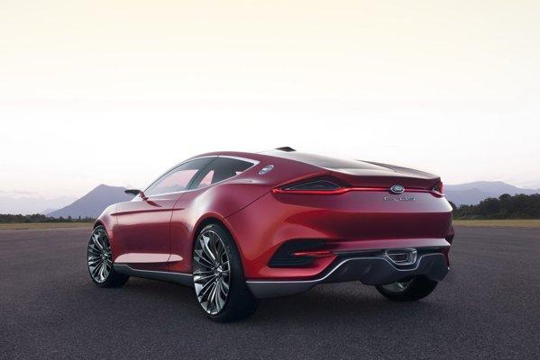 Ford Evos Concept are un design futurist si matur, fiind posibil sa prefigureze noul Capri