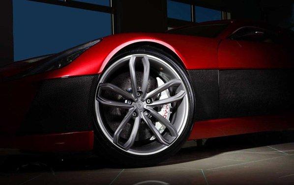 Rimac Concept One va utiliza intensiv fibra de carbon