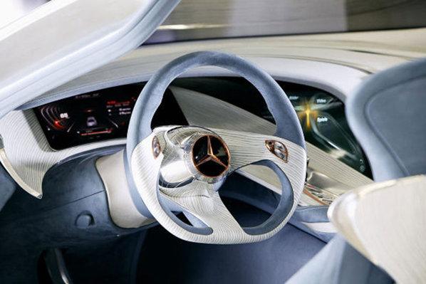 Interiorul lui Mercedes-Benz F125 se anunta plin de inovatii si gadgeturi