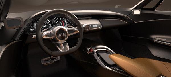Interiorul lui KIA GT este atat sofisticat, cat si foarte spatios