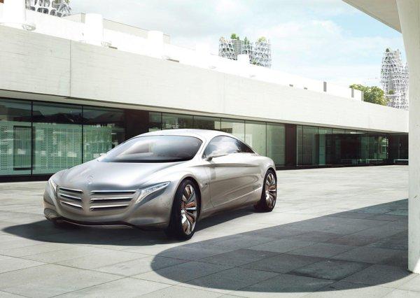 Mercedes-Benz F125 Concept este o adevarata vitrina tehnologica a viitorului