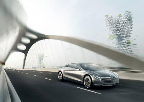 Mercedes Benz F125 are un sistem de propulsie revolutionar, combinand bateriile electrice si celulele de hidrogen