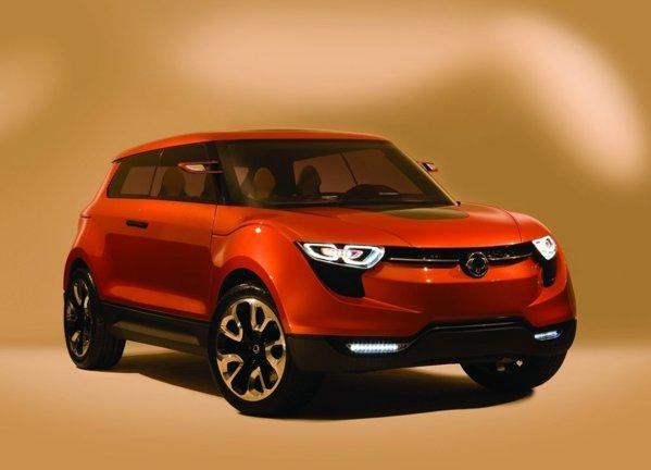 SsangYong XIV Concept are unele elemente asemanatoare cu Range Rover Evoque