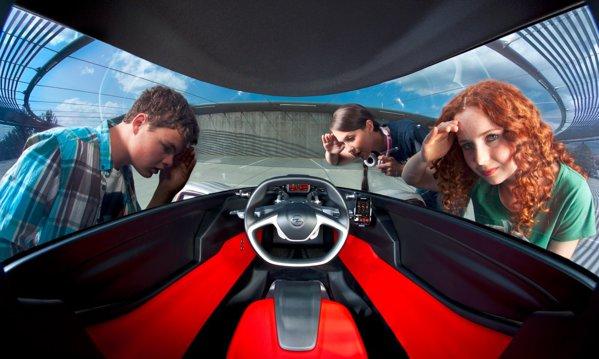 Opel RAK e Concept are doua locuri in tandem, iar soferul are la dispozitie un bord minimalist
