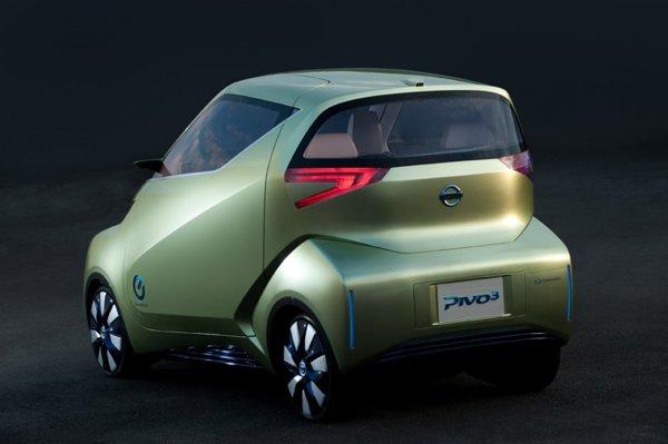 Nissan Pivo 3 este dotat cu sistemul Automated Valet Parking, cautandu-si singur loc de parcare