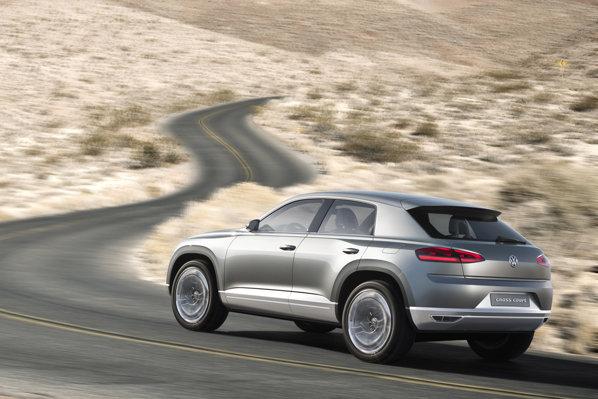 Volkswagen Cross Coupe are o putere totala de 262 CP si un consum mediu de 2,7 litri/100 km