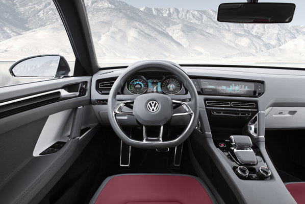 Interiorul lui Volkswagen Cross Coupe beneficiaza de multe idei high-tech