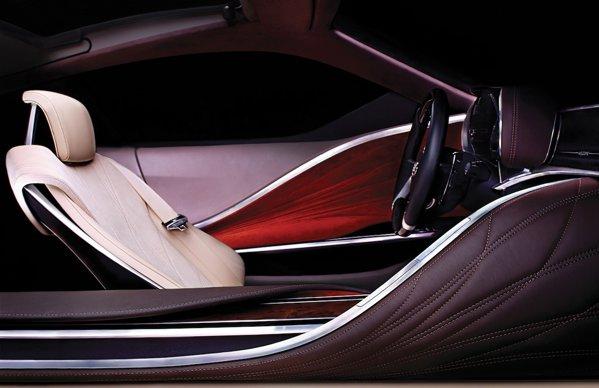 Interiorul conceptului Lexus LF-LC este foarte luxos si extravagant