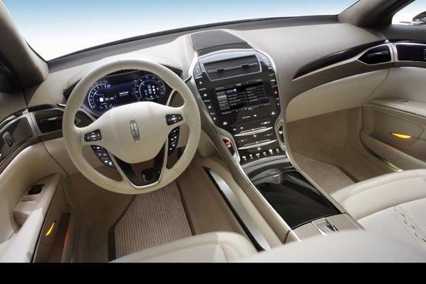 Modelul de serie prefigurat de Lincoln MKZ Concept va miza pe lux si high-tech