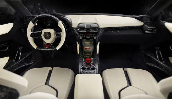 Lamborghini Urus are un interior racing, iar finisarea e din polimer ranforsat cu fibra de carbon