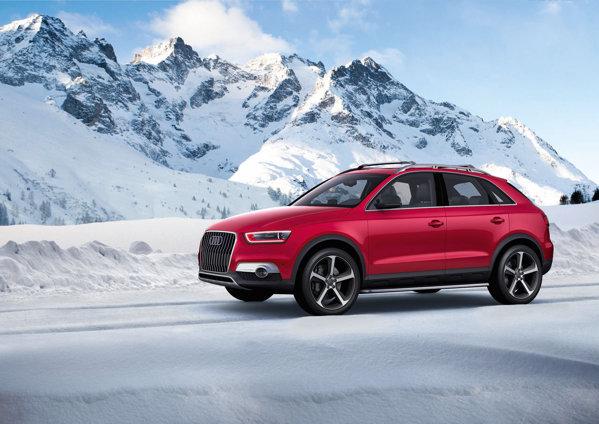 Audi Q3 Red Track se diferentiaza de Q3 Vail prin farurile cu fundal rosiatic