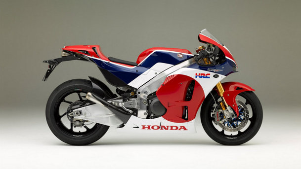 Honda face o versiune de stradă a motocicletei lor de MotoGP. Preţul? 188.000 de euro