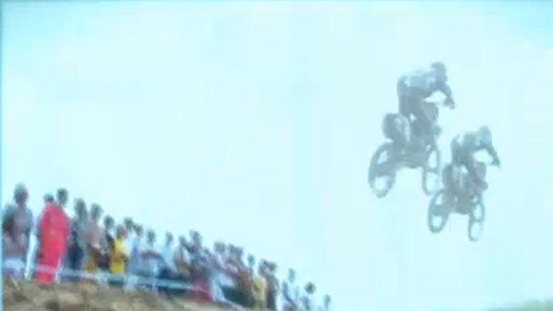 Tragedie în lumea motocross-ului. Un pilot bulgar a decedat aproape de finish la Zărneşti.