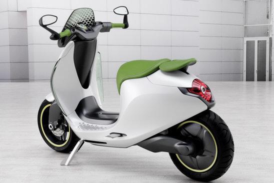 smart escooter dezvolta o putere 4 kW (5,3 CP) si atinge 45 km/h