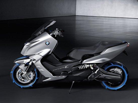 Bavarezii afirma ca BMW Concept C va combina manevrabilitatea motocicletelor cu confortul scuterelor