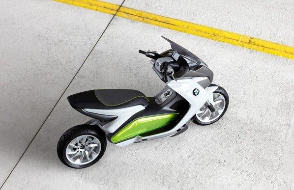 Design sofisticat pentru BMW Concept e, cu trimitere la familia BMW i