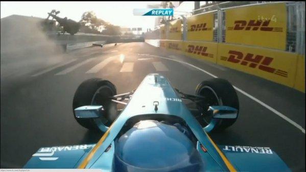 Formula E începe cu un accident spectaculos între Prost şi Heidfeld