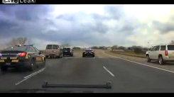 Spectaculos: cum interceptează poliţia americană dubiţa unor spărgători de bănci. VIDEO