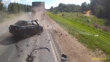 Accident grav din cauza unui şofer nerăbdător. Tu cum efectuezi depăşirile? VIDEO