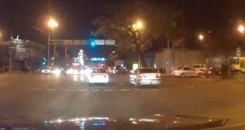 Un tramvai fără frâne trece prin traficul aglomerat ca prin brânză - VIDEO