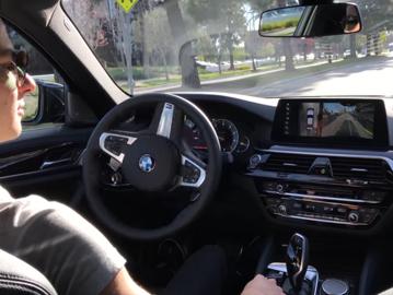 Mulţumim, Germania! – reacţia şoferului uluit după autoparcarea ca la carte