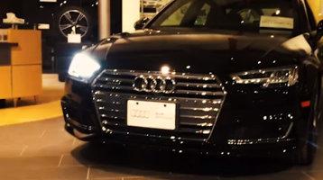 De ce unele maşini semnalizează cu un far stins [VIDEO]