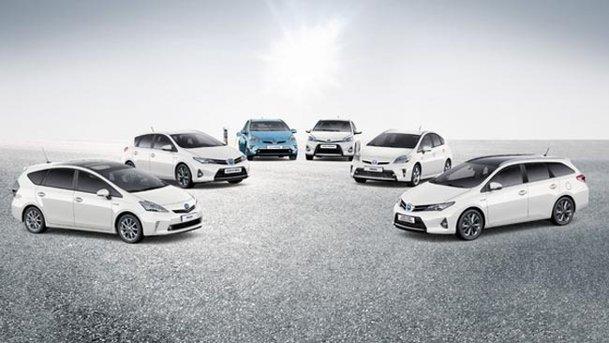 Vânzările de maşini hibride Toyota au depăşit prognozele