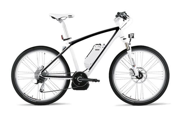 Cum arată bicicleta de 2.500 de euro care aproape merge singură?