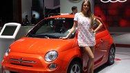 Frumuseţe şi eleganţă: fetele de la Salonul Auto Geneva 2013
