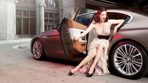 BMW Seria 6 Gran Coupe, fotografiat alături de două fotomodele