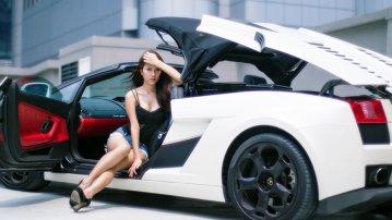 Vanessa ne reaminteşte de Lamborghini Gallardo Spyder