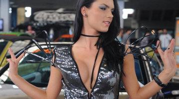Ele sunt cele mai sexy hostesse ROMÂNCE de la saloanele auto - GALERIE FOTO