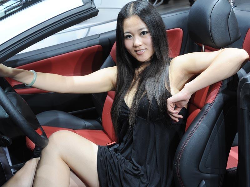 Саратов снять зрелую проститутку цена фото