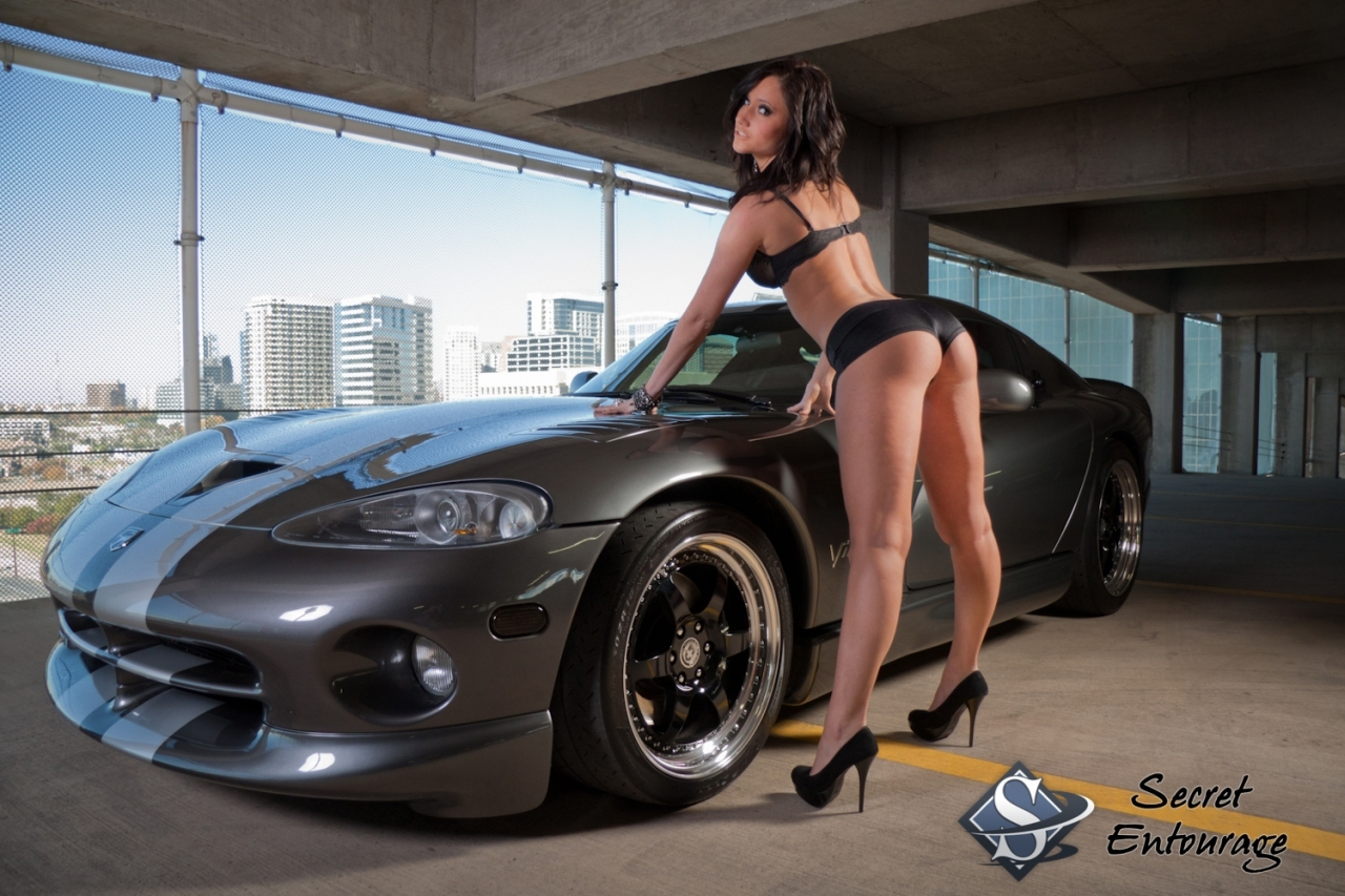 Old Muscle Car Dodge Viper