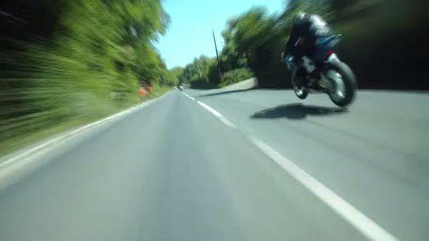 VIDEO. Cum arată o cursă de superbike la Isle of Man TT