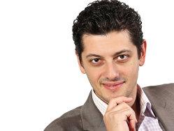 Un tânăr de 37 de ani câştigă 700.000 de euro din amenajări interioare