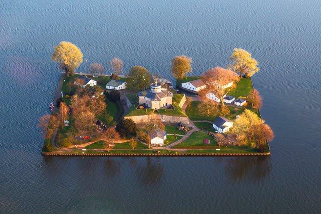 Cele mai mici insule locuite de pe glob - GALERIE FOTO