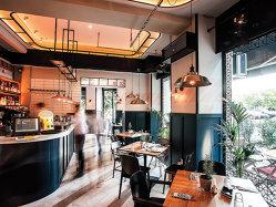 Povestea lui Sebastian Mîndroiu şi lui Radu Călin, tinerii arhitecţi care au amenajat câteva dintre cele mai cunoscute restaurante din Capitală - VIDEO