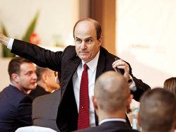 Sfaturi pentru manageri de la un guru în consultanţa de business: Clientul nu este rege şi nu are întotdeauna dreptate