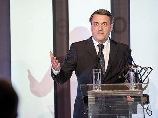 Cel mai bun antreprenor român îşi mută afacerea în Elveţia:  Este greu să promovezi produse realizate de o firmă mică dintr-o ţară mică