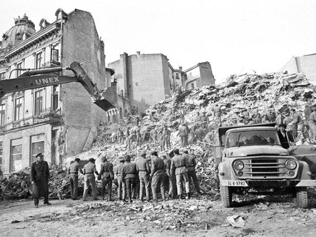 36 de ani de la cutremurul din 4 martie 1977 - GALERIE FOTO