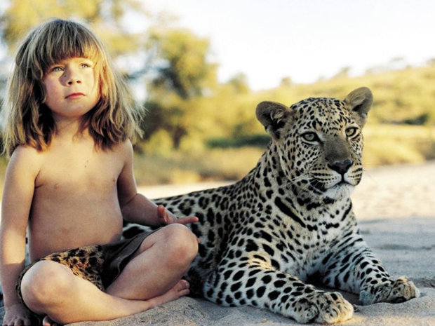 Adevăratul Mowgli:Fetiţa care şi-a petrecut primii zece ani din viaţă în jungla africană - GALERIE FOTO
