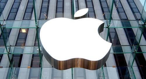 Adevăratul preţ al unui iPhone: vezi condiţiile în care lucrează angajaţii Apple