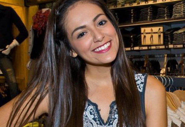 Are 18 ani şi câştigă jumătate de milion de dolari stând în camera ei de acasă